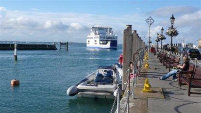 Ingang van  Yarmouth haven